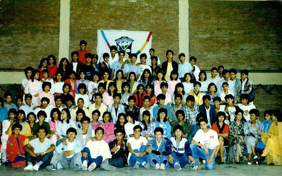 Group photo of 1st-year reunion held in 1988!